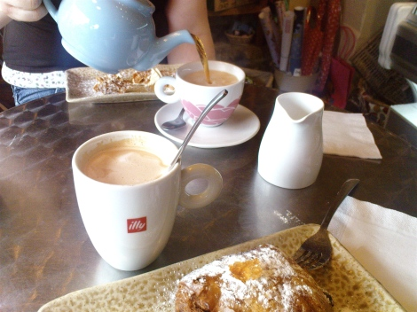 Coffee and tea at Mes Amis