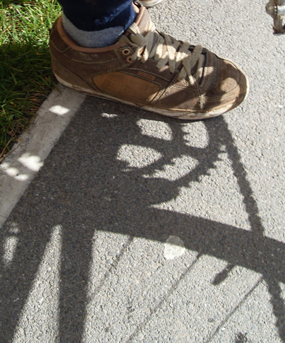 foot cog shadow